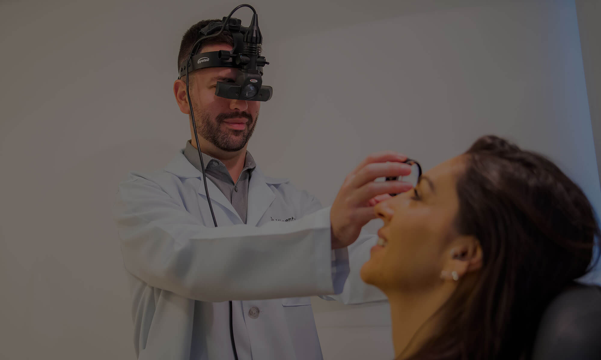 oftalmologista especialista em cirurgias de grau Curitiba